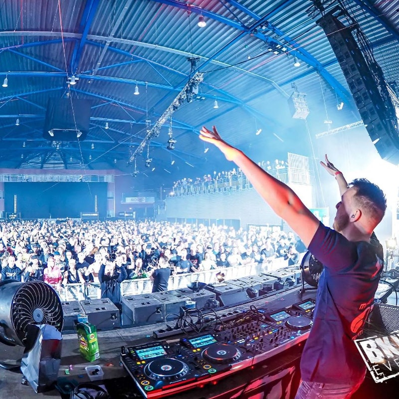 BKJNvsPARTYRAISER return of the kingdome, we made this castle come to live! #silverdome #bkjn #partyraiser #bulletproof #vjank1 #ank1 #vj #visuals #wopwop