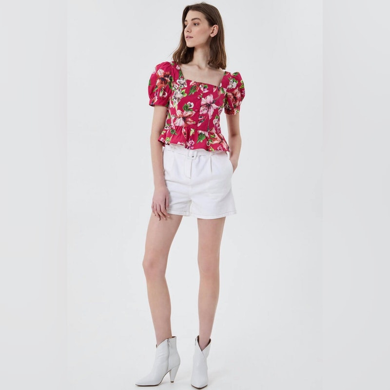 Flower top with flounces